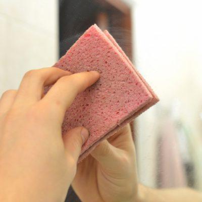 鏡についた石鹸カスは100均のダイヤモンドパットで退治!